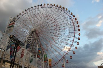 <p>Колесо Tempozan Ferris Giant Wheel</p>