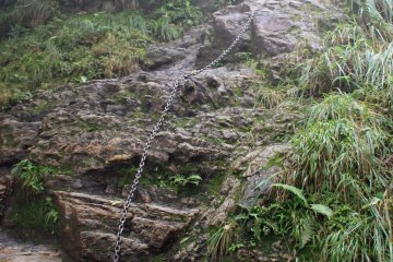 <p>Several steep stone slopes with chains prepare climbers for the first test &nbsp;</p>