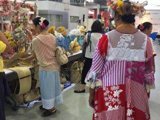 Пышнотелые таитянские продавщицы