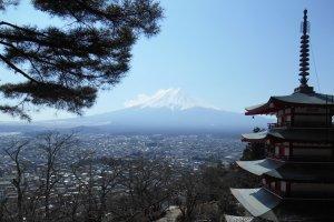 La pagode Chureito et le Mont Fuji en fond