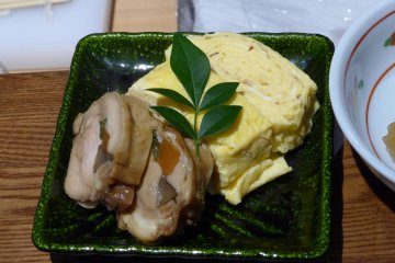 <p>The dashimaki is accompanied by chicken and vegetable roll made earlier.&nbsp;</p>