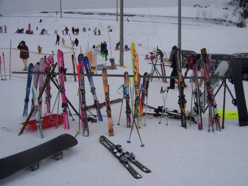 Plenty of skiis...