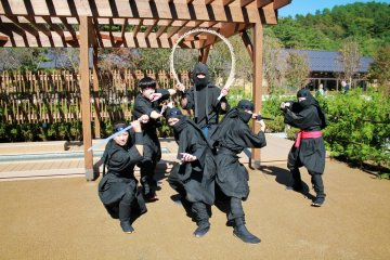 <p>Ninja performers will pose for you to take pictures</p>