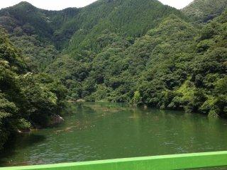 Hồ chứa trên đường đến Nishiyama