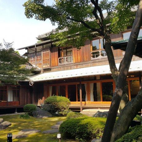다이칸야마의 숨은 휴식처 구 아사쿠라 가 주택