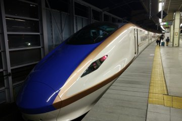 <p>The latest Shinkansen E7 running from Tokyo to Kuizawa</p>
