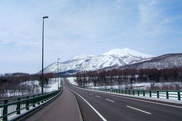 <p>A view of the snowy peaks near Niseko</p>