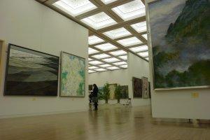 Entrez dans le monde de l'art moderne Japonais