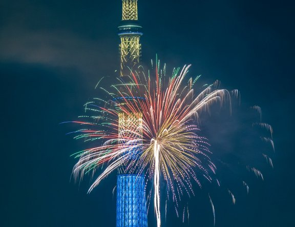 Skytree dan Kembang Api Sumidagawa