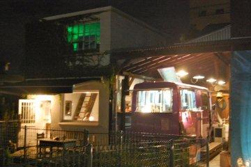 Food cart, plus indoor/outdoor cafe seating