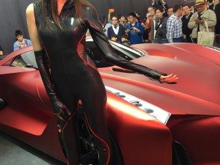Nissan concept 2020 и симпатичная модель