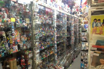 <p>Inside Gaocchi, full of classic collectibles.</p>