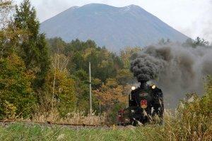 Steam Locomotive Niseko and Mt. Yotei