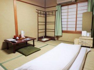 ห้องที่ฉันพัก ห้อง 'Musashi' เป็นห้องที่มีห้องอาบน้ำและห้องส้วมรวม