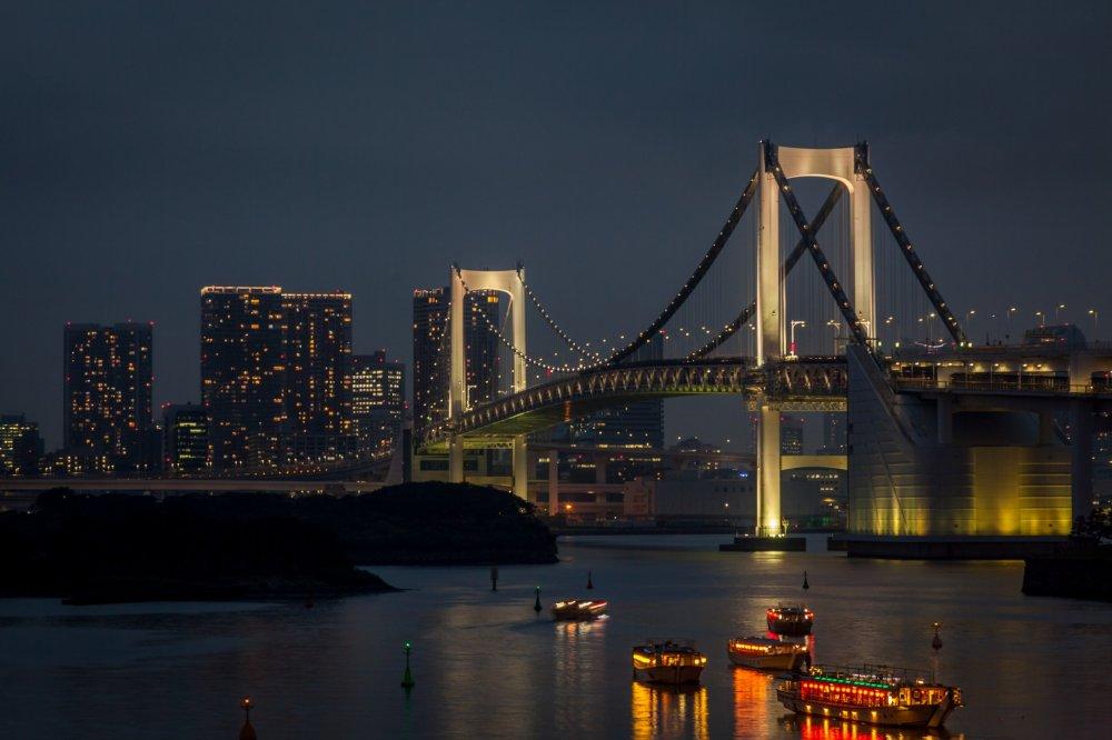 Rainbow Bridge Views - 東京 - ...