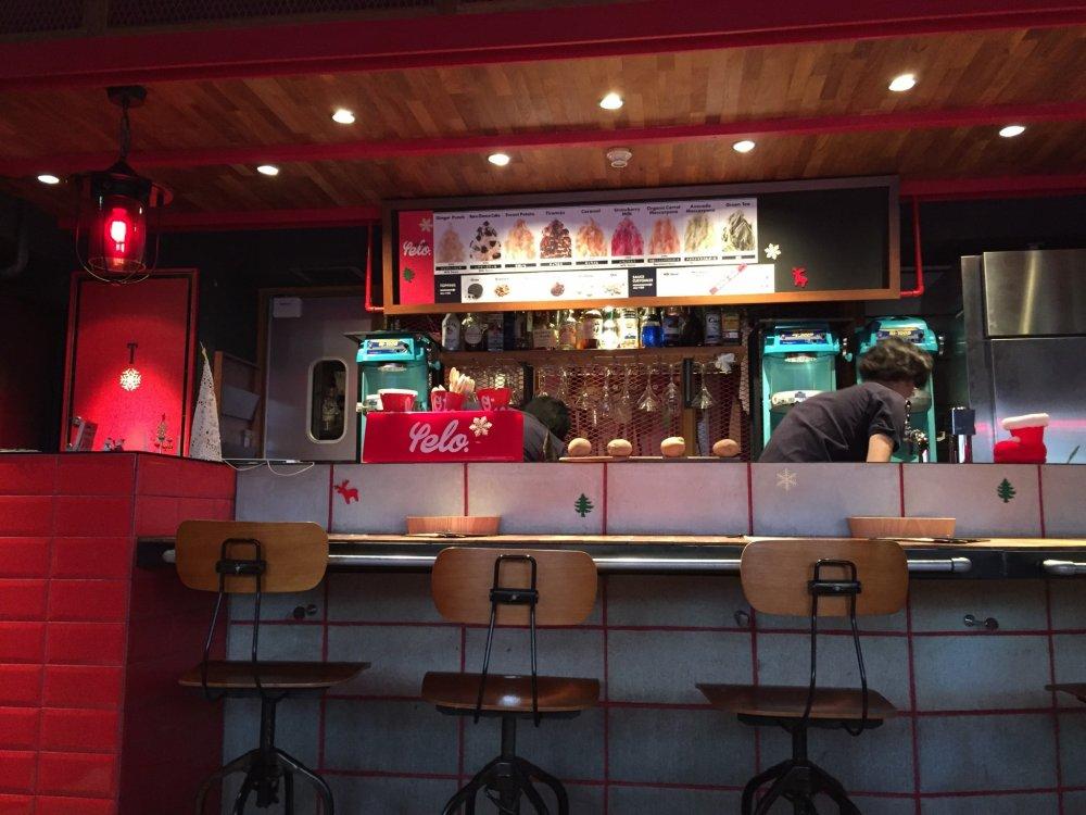 Le comptoir du Café & bar Yelo
