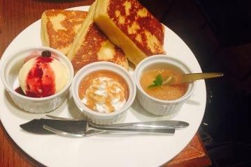 Aaliya Cafe ในชินจุกุ