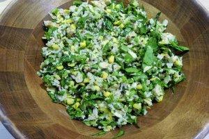 Farm Bowl, với gạo hoang dã, đậu Hà Lan và ngô nướng cùng với các thành phần khác