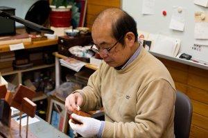 Mr. Junji Tomita, Ouchi-nuri Craftsman