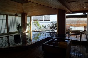 Hot spring pool overlooking the ocean at Hotel Notoraku in Wakura Onsen Resort
