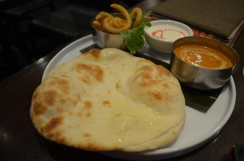 <p>ร้าน &ldquo;Cobara-Hetta&rdquo; &nbsp;เป็นร้านอาหารอินเดียที่คัดสรรคุณภาพเครื่องเทศส่งตรงจากประเทศอินเดีย 16 ชนิด</p>