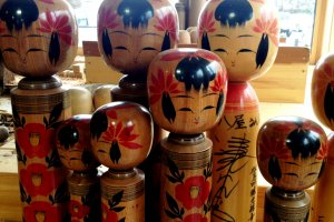 The local handicraft stores are famous for kokeshi dolls