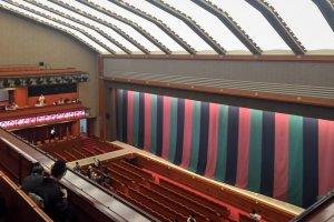 A l'intérieur du Théâtre Kabuki-za de Ginza, à Tokyo