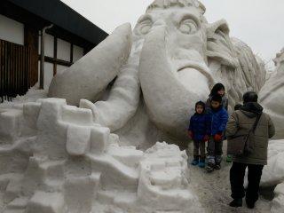 Thêm tác phẩm điêu khắc lấy cảm hứng từ hoạt hình từ Ga Tokamachi