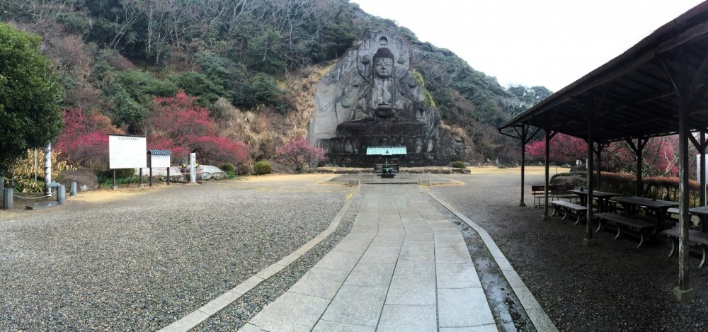 The Buddha is 31 meters high.