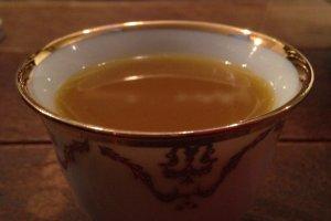 Secangkir kopi Yaman yang nikmat. Terasa sekali rempah-rempahnya.