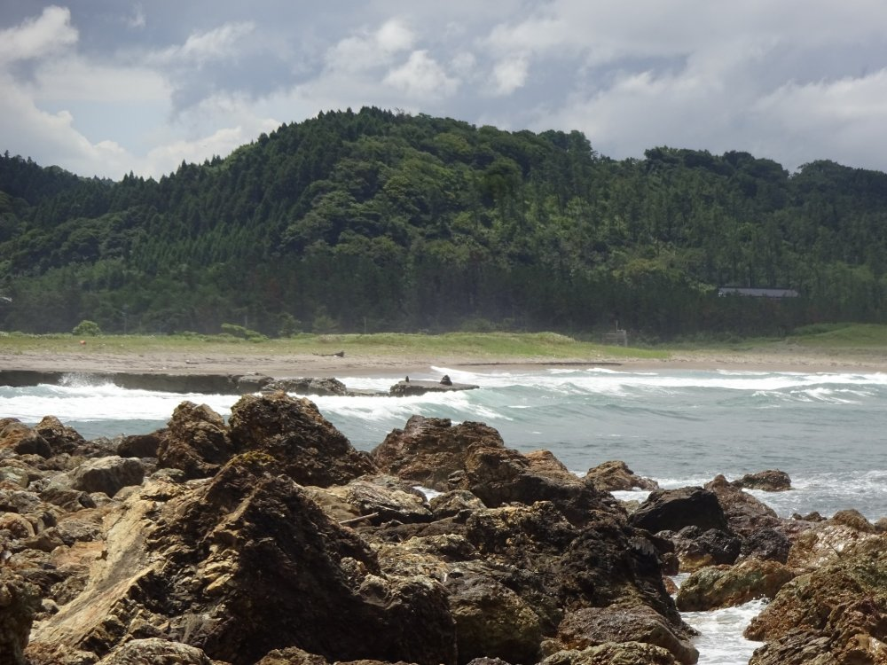 Nafune Coast is near Wajima Onsen and the Senmaida terraced rice paddies on the Noto Peninsula.