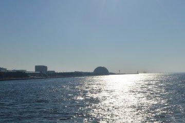 Peaceful Osaka bay