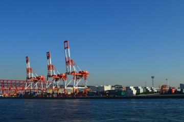 Containers and heavy equipments