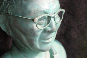 Tottori Highlight: Mizuki Shigeru statue on Mizuki Shigeru Road