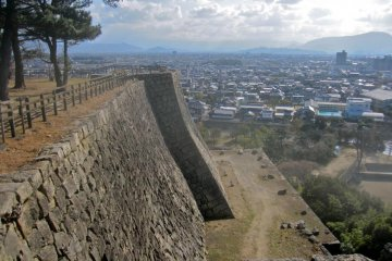 Looking south along the wall of the honmaru