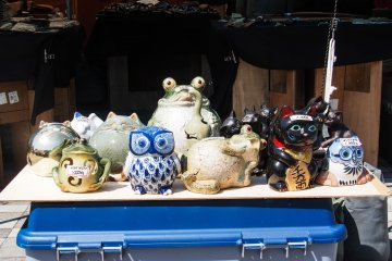 Little animal statues for sale at the market.