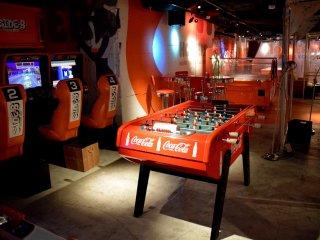 Gaming area at Hooters Shibuya