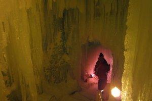 Di dalam Labirin Kastil Es.