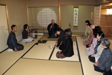 Lecturing in a traditional setting