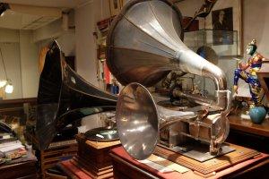 Gramofon akustik