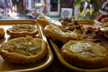 下北澤南口商店街-剛烘培好香噴噴的麵包店