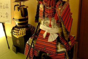 The armours of a daimyo and a common footsoldier