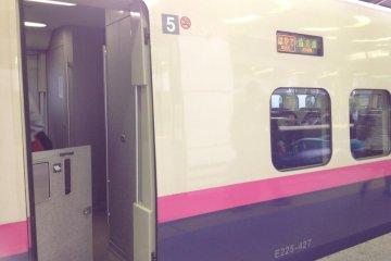 """Скоростной электропоезд """"Хаяте"""" линии Тохоку-синкансэн."""