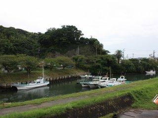 Le port se situe à l'intérieur des terres