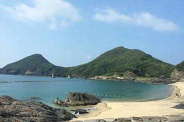 Красивый пляж Иссо.
