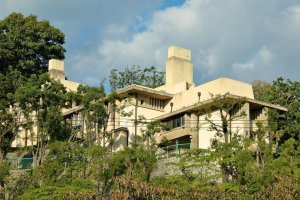Frank Lloyd Wright's Yodoko Guest House