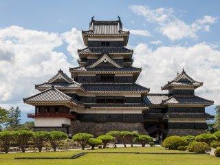 قلعة ماتسوموتو المهيبة