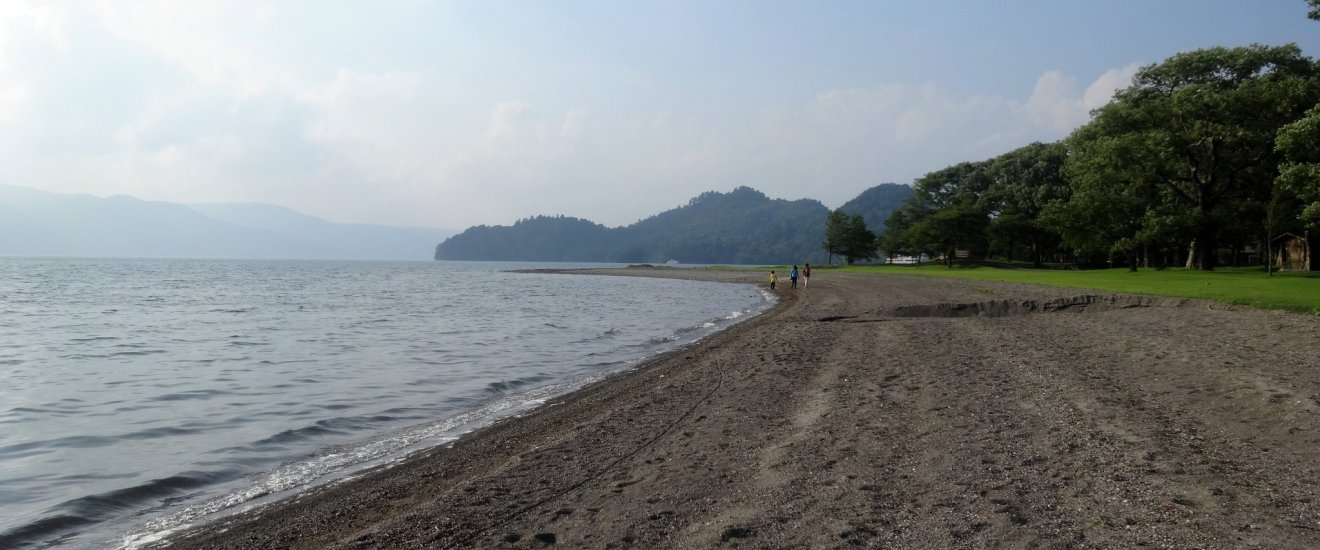 Along the shore of Lake Towada