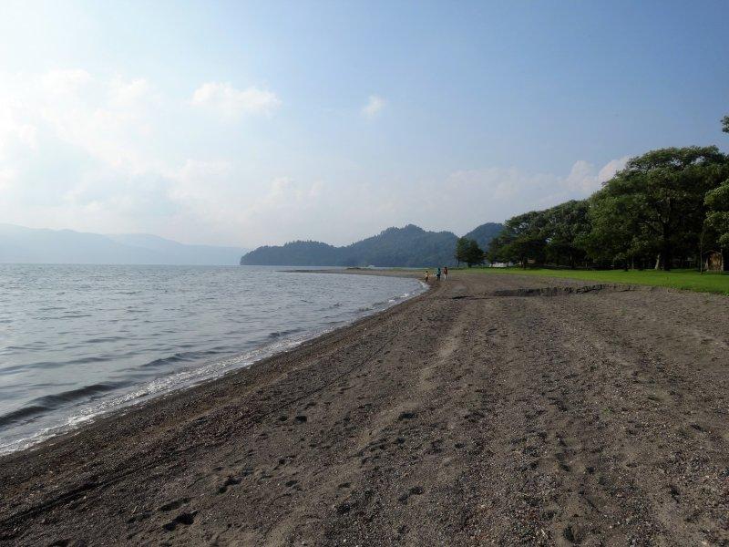 Along the shore of Lake Towada