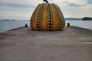 "Yayoi Kusama ""Yellow Pumpkin"" at Naoshima"